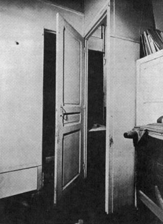 3 - Duchamp Puerta 11 rue Larrey 1927