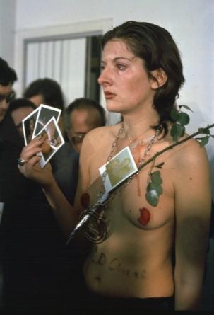 4 - Marina Abramović, Rhythm 0 (1974)